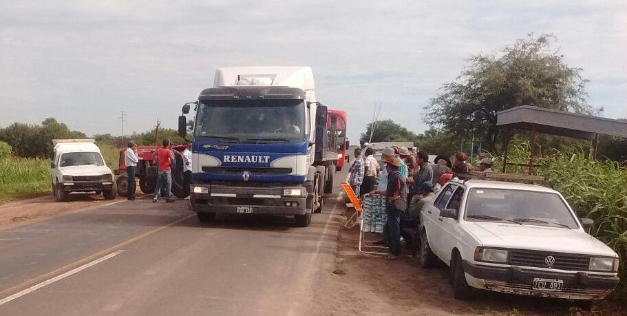 Largas colas se produjeron durante la protesta rural en la Ruta Nacional Nº 95